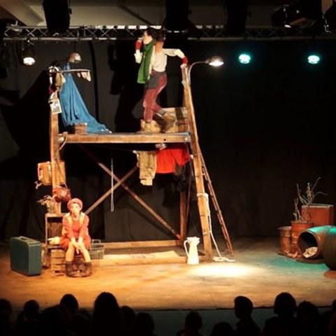 "Yarleku Teatro ""Etxerik txikiena"""