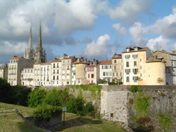 Bayonne ramparts and historic districts (picture : Jakes Larre)