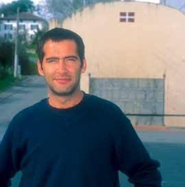 German Hirigoyen, un argentin sur les traces de ses ancêtres à Briscous, Pays Basque, 2004 ; co. Kepa Etchandy