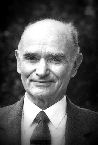 Jean-Michel Guilcher etnologoa gogoan