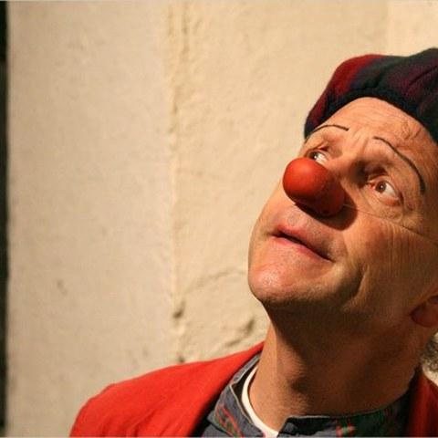 Laugarren clown tailerrak antolatzen ditu Hebentik elkarteak