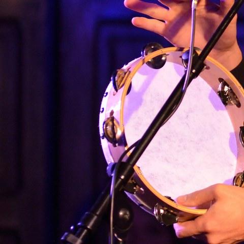 Saint-Pierre eta Mikelunen musikan aritzeko proposamena