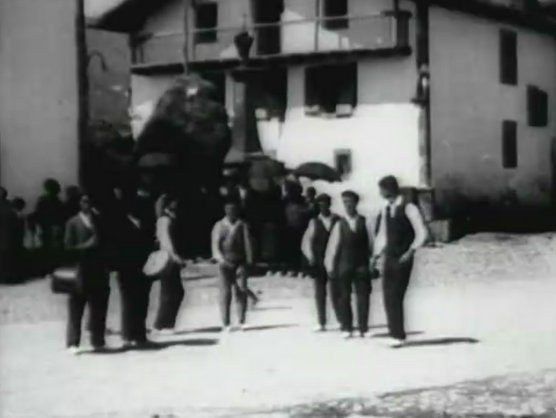"""""""Zazpi jauziak"""" Lekarozen (1923)"""