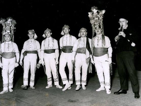 Euskal dantzariak Londresen 1927an