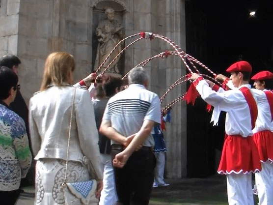 Oñati: Korpus 2014 San Migel dantza prosezioan
