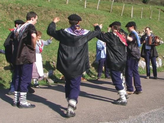 Oilasko biltzea Amasan (Gipuzkoa)