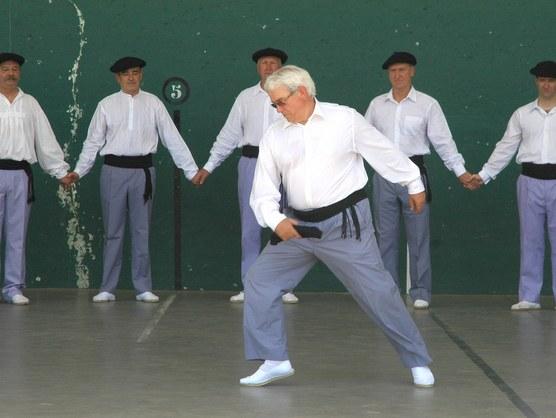 Josema Mendiola dantza-maisua. Añorga (Gipuzkoa)