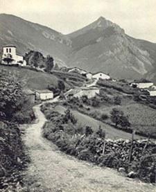 Une vue ancienne du village de Béhorléguy