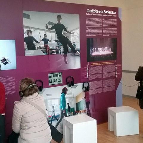 """L'exposition """"SOKA, regards sur la danse basque"""" à Irissarry"""