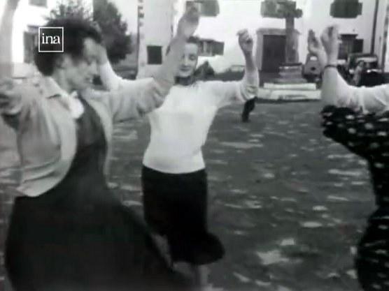 Fandango sur la place d'Hélette (1958)