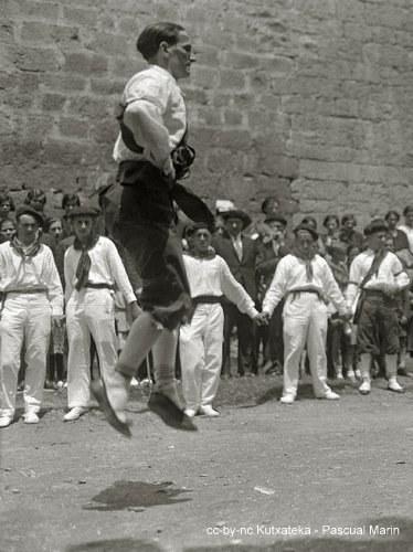 Des maîtres de danse de la Renaissance à Iztueta