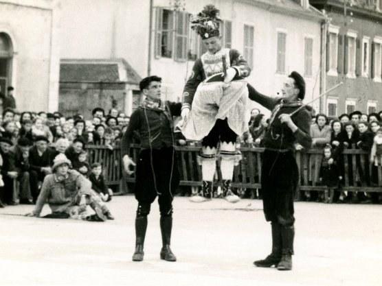 Mascarade à Mauléon en 1949