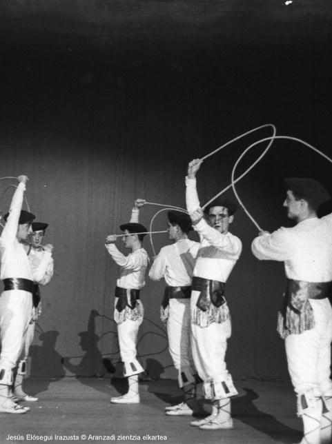 Un ballet et choeur national basque