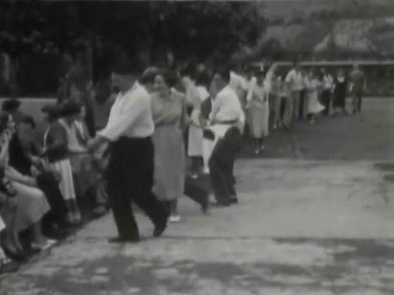Ituren (Navarre): soka-dantza (danse en chaîne), 1951