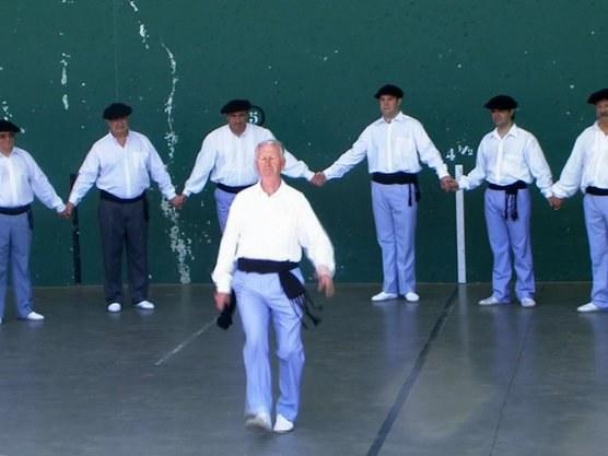 Soka-dantza (danse en chaîne) en Gipuzkoa et Araba
