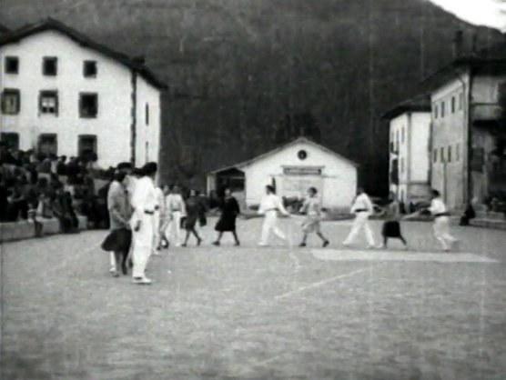 Danse en chaîne de Doneztebe (Navarre)