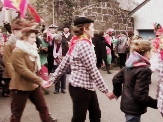 Branle souletin : mascarades de Sauguis et Trois-Villes, en 2014